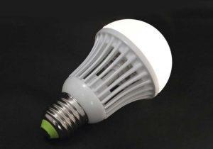 Лампа светит